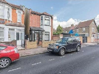 Byron Avenue, London, E12 - Detached