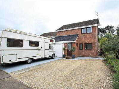 Canons Close, Thetford - Detached
