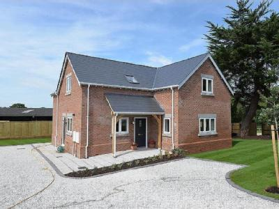 Lavender Road, Hordle - Detached