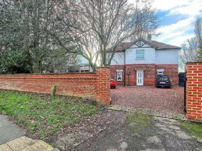 Thornaby Road, Thornaby - Detached