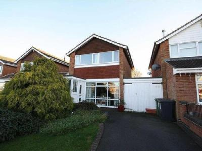 Fair Isle Drive CV10, Nuneaton property. Houses for sale in Fair ...