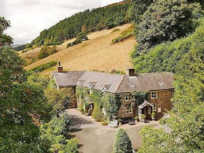 Llanfyllin, SY22 - Detached, En Suite
