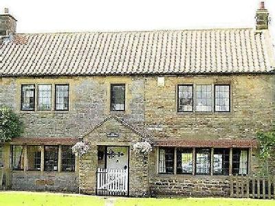 3 Bed detached house with separate one bed annexe & pool, Goathland Nr. Whitby