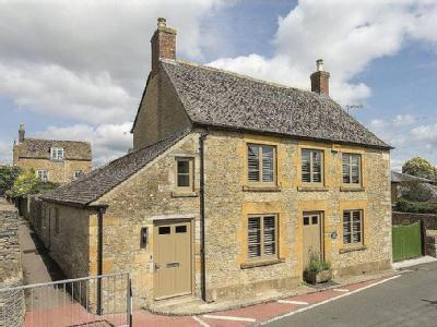Back Walls, Stow on the Wold, Cheltenham, GL54