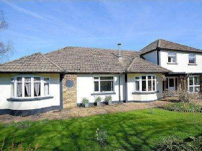 ~OPEN TO OFFERS~ No immediate neighbours plus 8.7 acres!