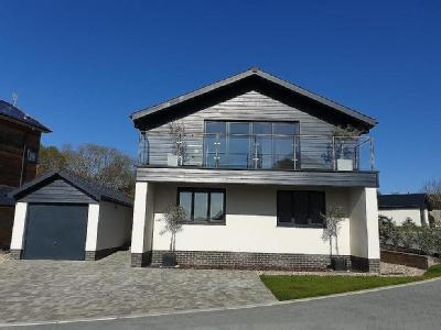 East Cowes , Isle Of Wight - Detached