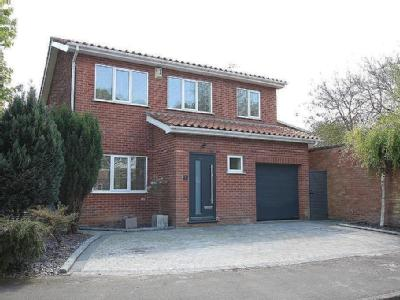 Springfield Close, Lincoln - Detached
