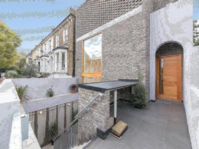 Edenbridge Road, London E9 - Freehold