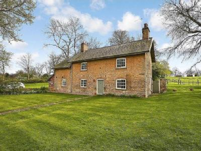 Hackthorn, Lincoln - Double Bedroom