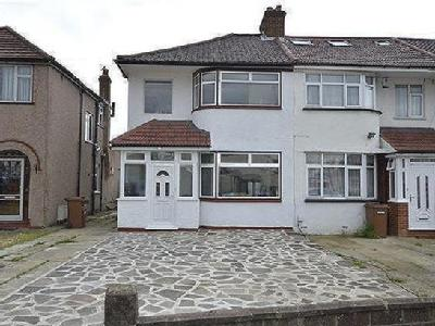 Lawrence Crescent, Edgware, Middlesex HA8