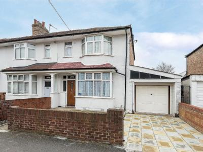 Mortimer Road, Mitcham CR4 - Garden