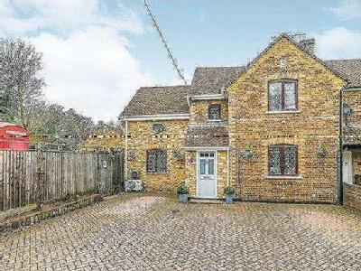 Cove Road, Fleet, Hampshire, GU51
