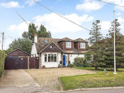 Manor Road, Woodside, Luton, LU1