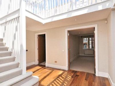 Lower Pavilion Court, Mount Vernon, Frognal Rise, Hampstead, Nw3