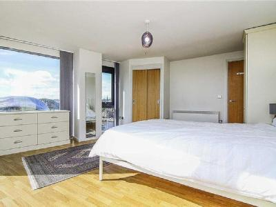Flat for sale, Baltic Quay - Balcony