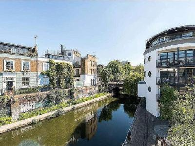 Flat for sale, Lawfords Wharf