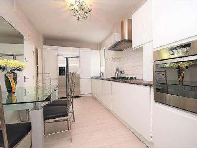 Flat for sale, Moor Court - Lift