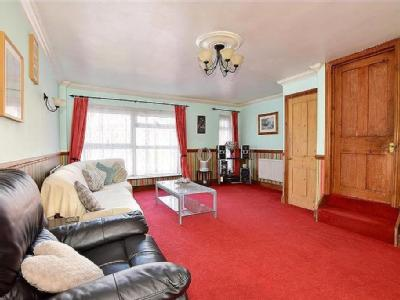 House for sale, Gorse Mead - Terraced