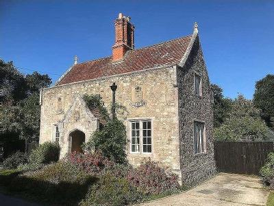House for sale, Whippingham - Listed