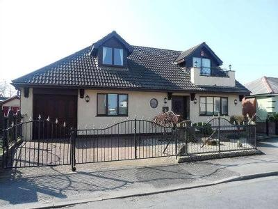 House for sale, Lyme Grove - Detached