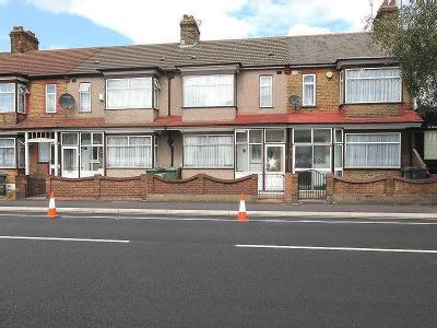 House to let, Forest rd - Garden