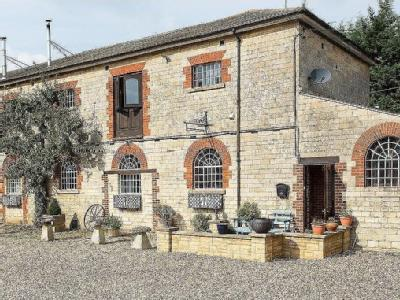 Farriers Mews, Cleycourt Manor, Bourton, Swindon, SN6