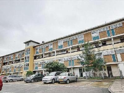 Belton Way, Bow - Maisonette, Balcony