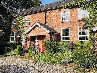 Ye Priory Court, Woolton - Cottage