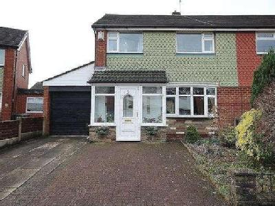 Lorraine Close, Heywood, OL10