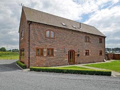 South Barn, 1, Whitehall Barns, Stourbridge Road, Dudley, South Staffordshire, DY3