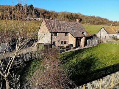 Barn conversion with land in Compton Bishop