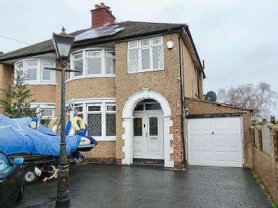 Kings Road, Bebington, CH63 - Hot Tub