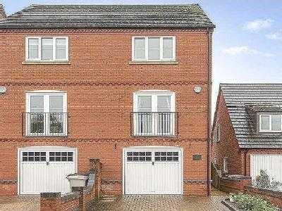 Maltby Way, Horncastle, LN9 - Balcony