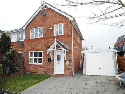 8 Pipers Court, Irlam, M44 - House