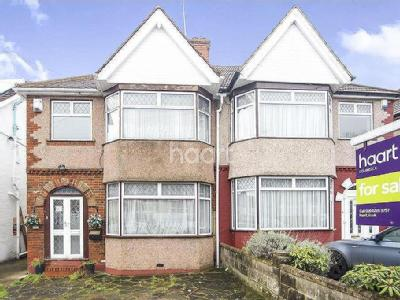 Rose Glen, London NW9 - Semi-Detached