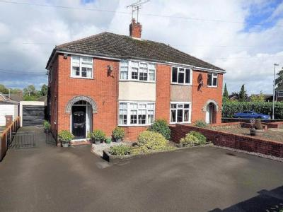 New Road, Uttoxeter - Semi-Detached
