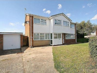 Elm Drive, Brightlingsea - Reception