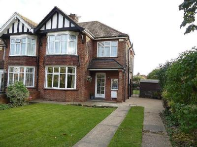 Cromwell Road, Cleethorpes - Garden
