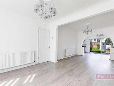 New Park Avenue, Palmers Green