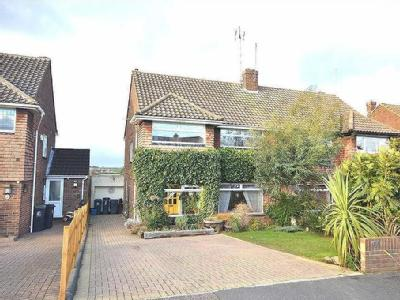 Field Close, Abridge, Essex, Rm4