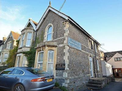 Within Walking Distance Of Clevedon Town Centre