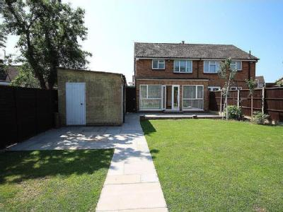 Bowyers Close, Hitchin, Sg5 - Garden