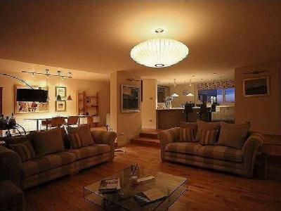 Flat for sale, Montagu Court - Lift