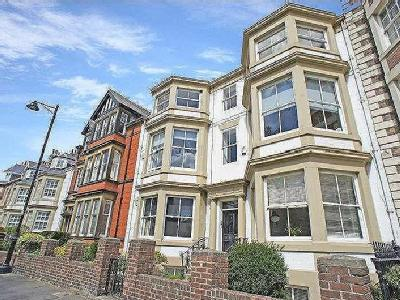 Flat for sale, St Oswins Mews
