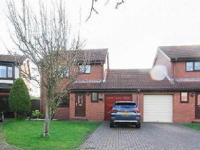 House for sale, Fawley Close - Garden