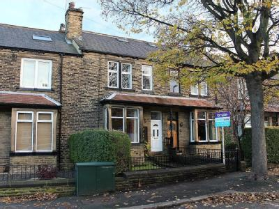 House for sale, 46 Old Road - Garden