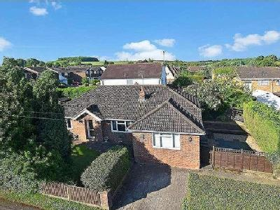 House to let, Lockhart Close - Garden