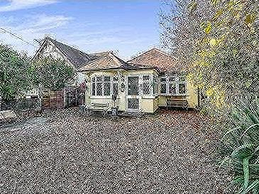 House for sale, Hainault Road - Patio