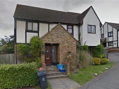 House to let, Conifer Walk - House