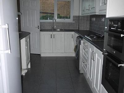 House to let, Hallsfield - Reception